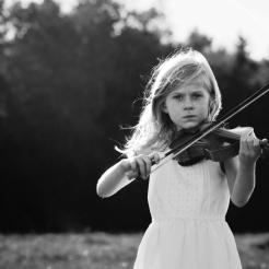 nh-child-photographer-violin-2